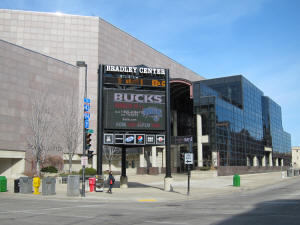 Nba Basketball Arenas Milwaukee Bucks Home Arena